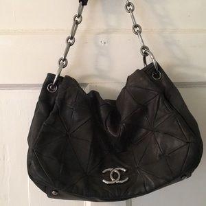 Vintage Chanel lambskin shoulder bag